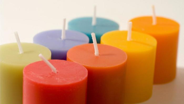 Velas de colores como hacer velas de colores en casa for Como hacer velas aromaticas en casa
